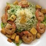 Rezept: Caesar-Salad mit Garnelen und Parmesan