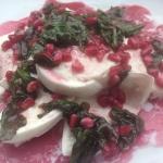 Tim Mälzers vegetarische Küche: Mozzarella mit Brunnenkresse-Granatapfel-Vinaigrette