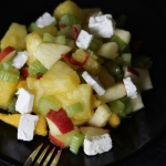 Ananas-Sellerie-Salat mit Feta
