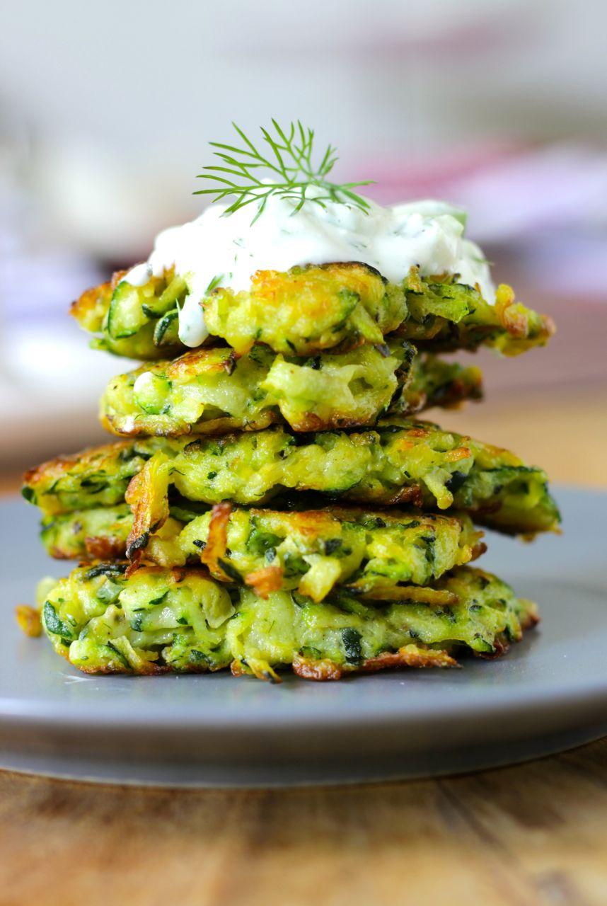 Zucchini-Fritters-Dill-Schafsjoghurt